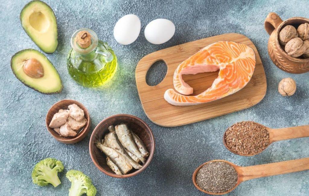οι τροφές που περιέχουν Ω3 λιπαρά  για γνωστική και εγκεφαλική απόδοση