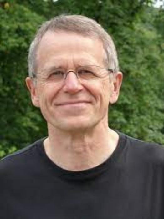 Μπάνσερους, ο συγγραφέας του Ντεντέκτιβ Κλουζ
