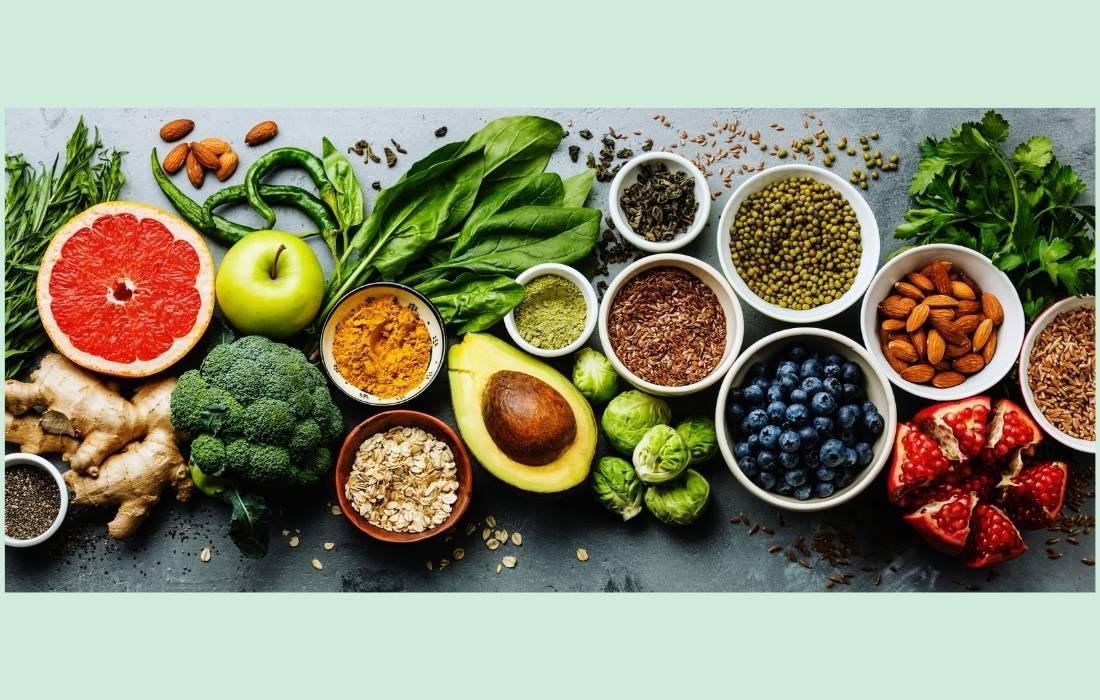 5+1 θρεπτικά τρόφιμα που πρέπει να έχετε στην κουζίνα σας